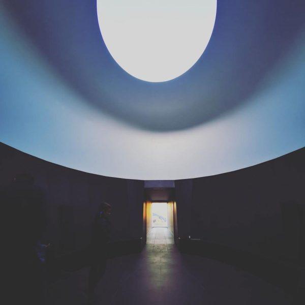 Beautiful photograph by @hotel_sandhof #skyspacelech #skyspace #jamesturrellskyspace #jamesturrell #art #contemporaryart #light #sky #repost