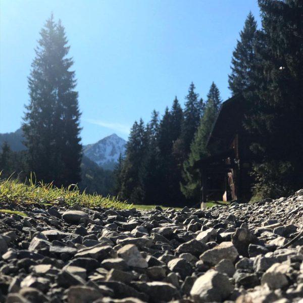 Den ersten Schnee gab es auch schon. #kleinwalsertal #riezlern #hirschegg #wandern #natur #herbst ...