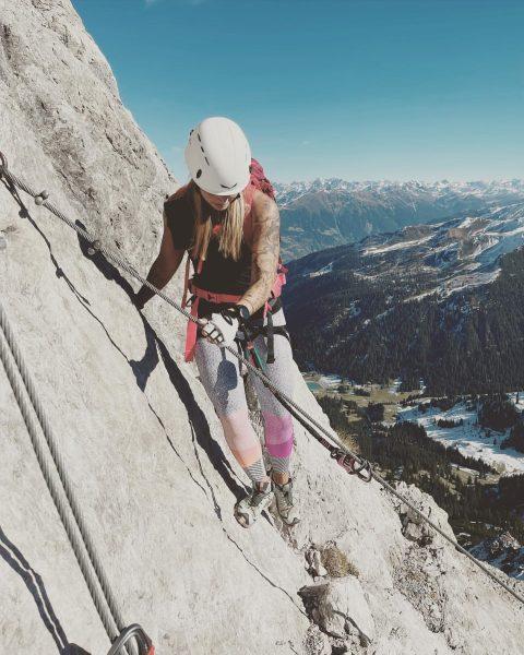 """""""Hindernisse und Schwierigkeiten sind Stufen, auf denen wir in die Höhe steigen. Gehen ..."""