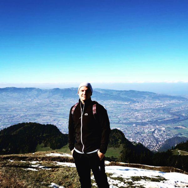 Berg Heil ✌️ #hiking #vorarlbergwandern #austria #hohekugel Hohe Kugel