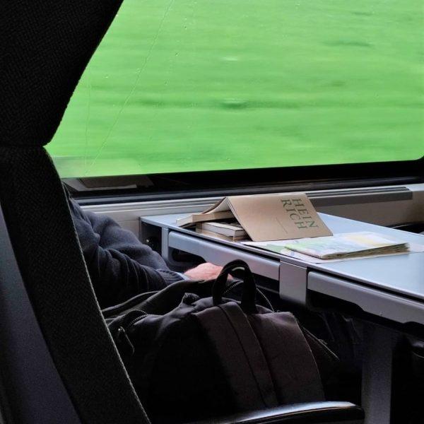 Heinrich, der kleine Feldkirch-Guide, reist in Buchform auch gerne quer durch Österreich. Als ...
